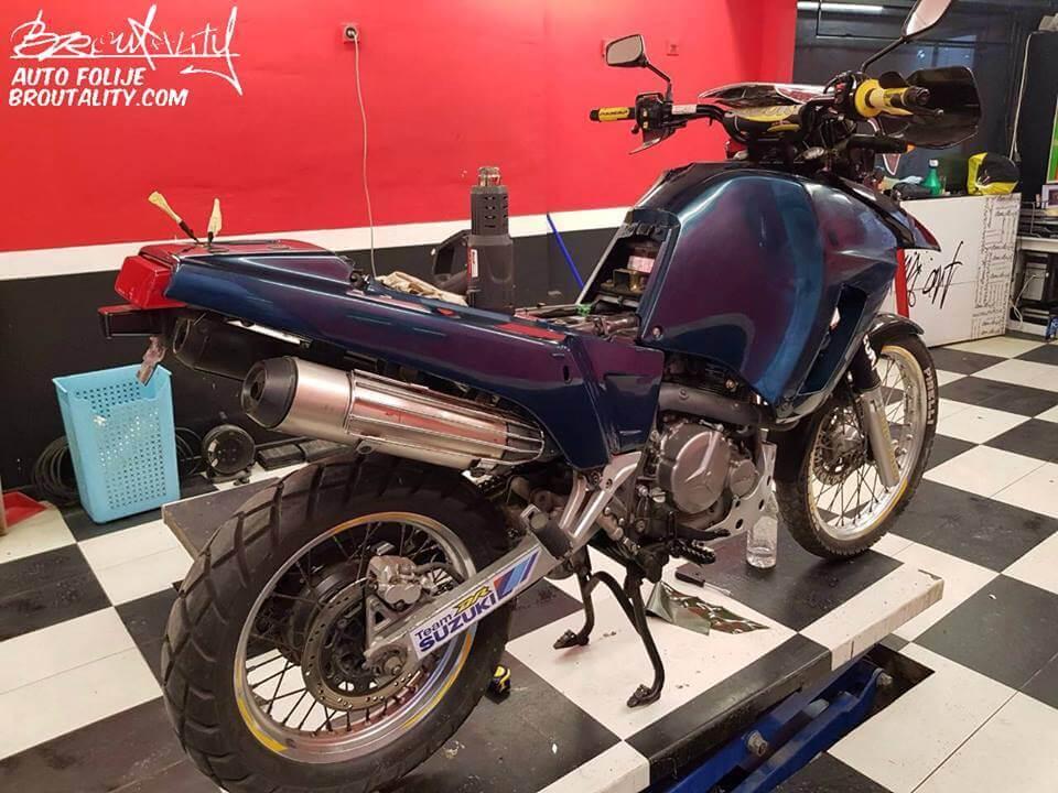 presvlačenje motocikala folijom Broutality 3